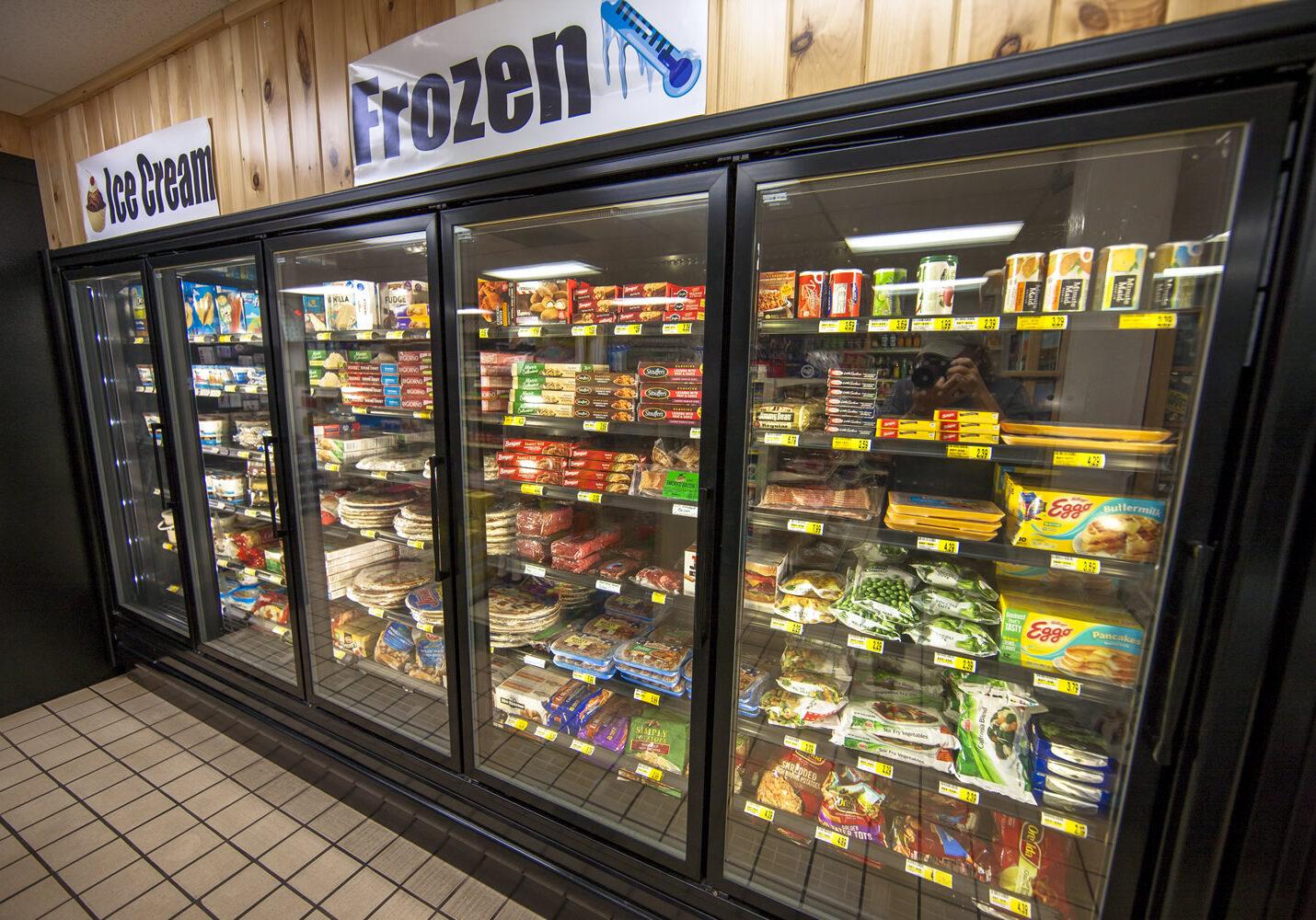 karsyns-korner-frozen-food-ice-cream-coolers-001